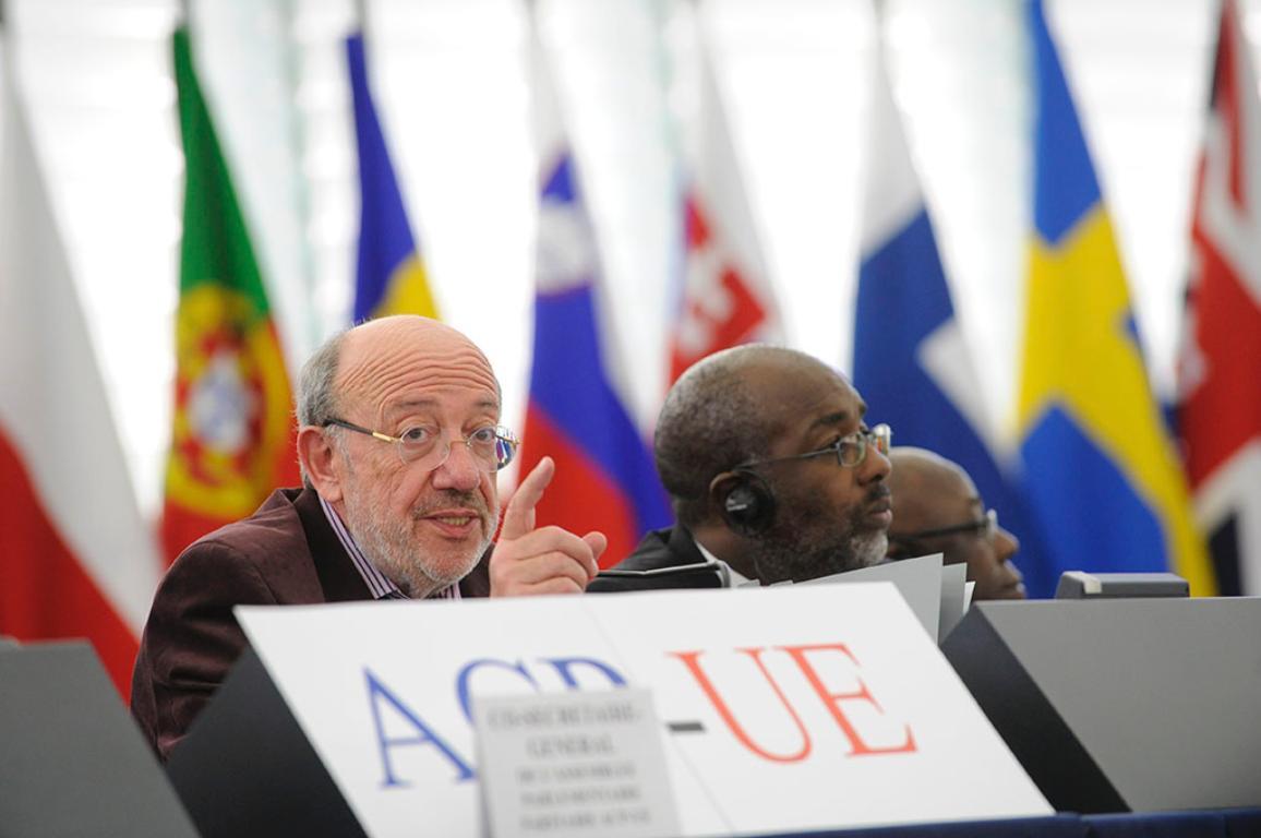 Louis MICHEL, Président ACP-UE et Fitz A.JACKSON -co-président ACP-UE