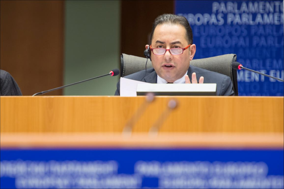 EP Vicepresident Gianni Pittella opens April Plenary session in Brussels on the 02/04/2014