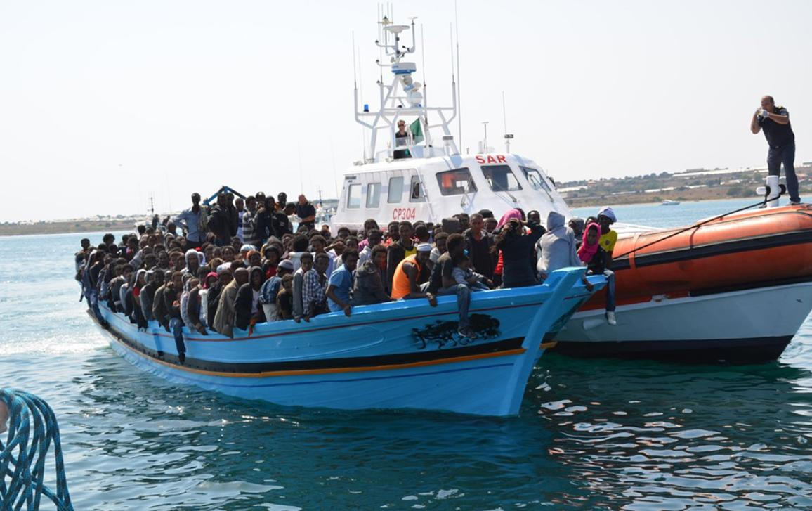 Boat with full of refugees