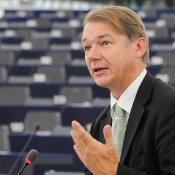 Philippe Lamberts govori o izzivih, ki čakajo novo dvojico na čelu Zelenih, o veljavnih političnih načrtih in možnih političnih zavezništvih.