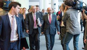 Jean-Claude Juncker mit Martin Schulz