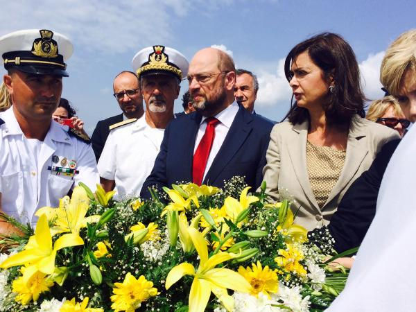 EP president Martin Schulz and the Italian president of the Chamber of Deputies, Laura Boldrini, commemorating last year's tragedy in Lampedusa, Italy