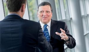 Photo 1) Interview with President of the European Commission Josè Manuel Barroso