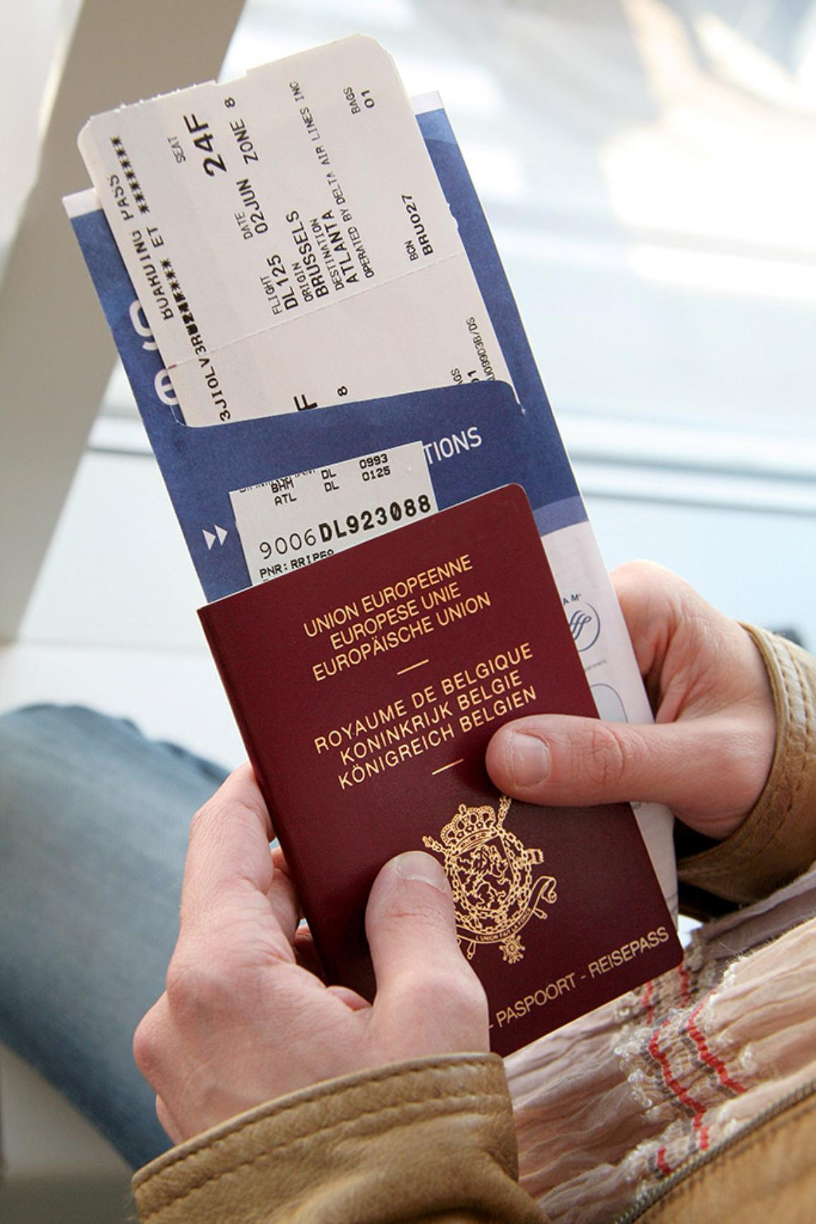 Airport: Belgian passport and boarding card.