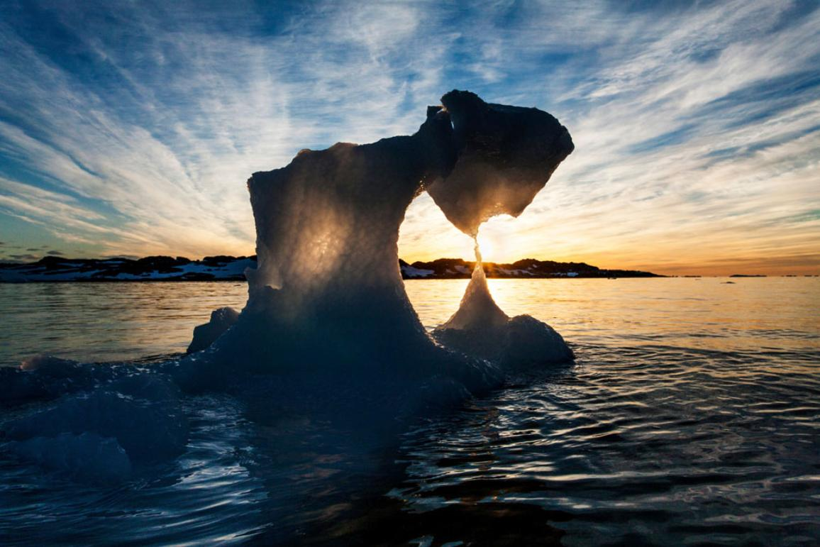 Iceberg melting down ©BELGA_AGEFOTOSTOCK