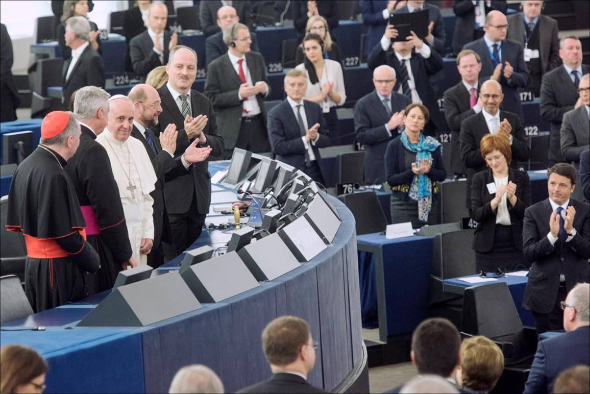 Standing ovation for Pope Francis after his speech in the European Parliament hemicycle on Tuesday 25 of November 2014