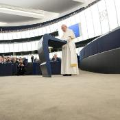 """Sobre el empleo y el trabajo el Papa Francisco declaró: """"Ha llegado la hora de alentar políticas que creen empleo, pero sobre todo es necesario restaurar la dignidad del trabajo, asegurando condiciones de trabajo adecuadas""""."""