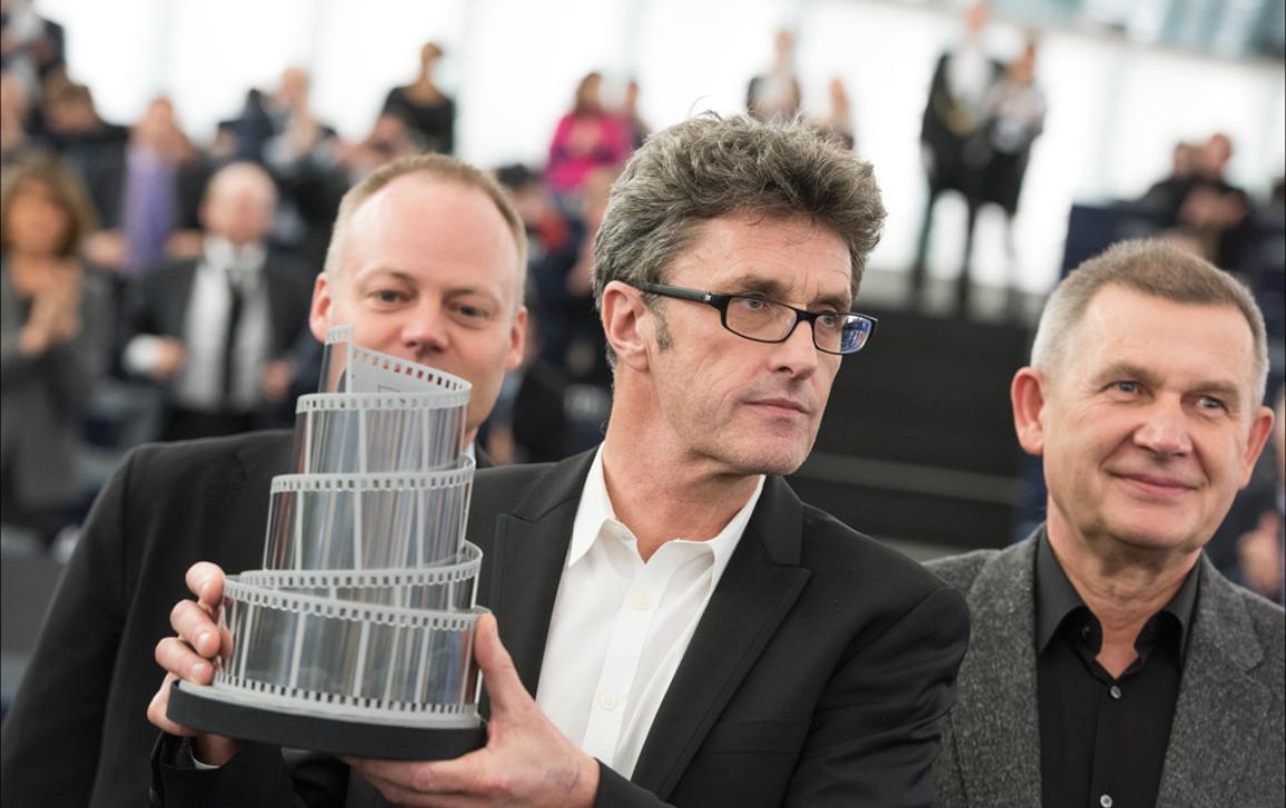 "Paweł Pawlikowski receives the Lux prize for his film ""Ida"""