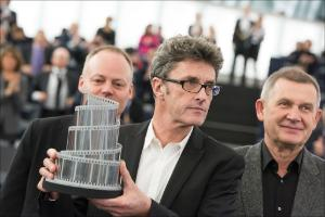 "Paweł Pawlikowski receives the Lux prize for his film ""Ida"""