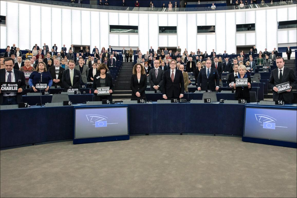 A minute of silence in the European Parliament hemicycle to pay triubute to the victims of Paris terrorism attacks #JeSuisCharlie