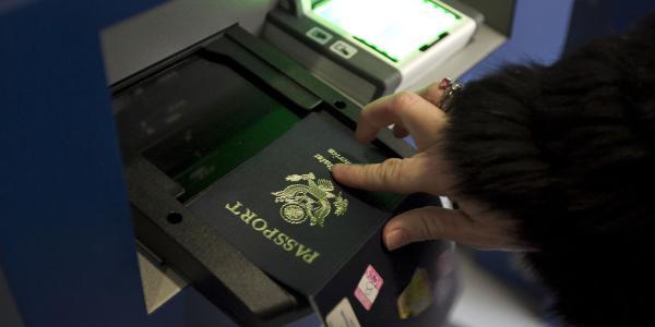 Skenovanie pasu na hranici