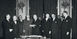 Подписването на Парижкия договор на 18 април 1951 г.