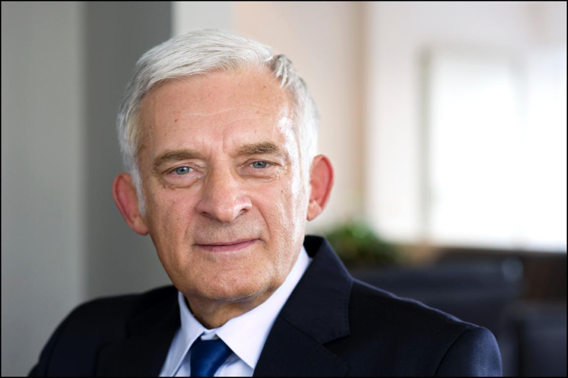 El diputado polaco Jerzy Buzek (EPP), presidente de la comisión parlamentaria de Energía y ex presidente del Parlamento Europeo.