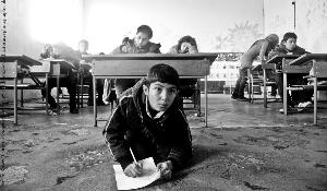 """Thirst for knowledge in asylum conditions"" by Hristo Rusev is the guest photographer ""Education"" topic winner ©Hristo Rusev/www.hristorusevphotography.blogspot.com"