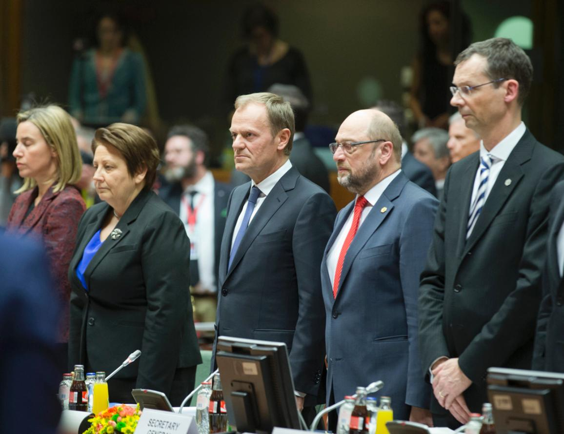 Van links naar rechts;. Federica MOGHERINI, Hoge vertegenwoordiger, . Laimdota STRAUJUMA, premier Letland;  Donald TUSK, Voorzitter van de Europese Raad; Martin SCHULZ, Voorzitter van het Europees Parlement en Uwe CORSEPIUS, Secretaris-Generaal van de Raad © Europese Unie 2015
