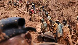 Men work in a gold mine on February 23, 2009 in Chudja, near Bunia, north eastern Congo. The conflict in Congo has often been linked to a struggle for control over its resources. Congo is rich in mineral resources such as gold, diamonds, tin, and cobalt. ©BELGA_AFP_L.Healing