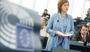 "Migration, ""MEPs debate EU response"". In the photo: KALNIŅA-LUKAŠEVICA Zanda Council"