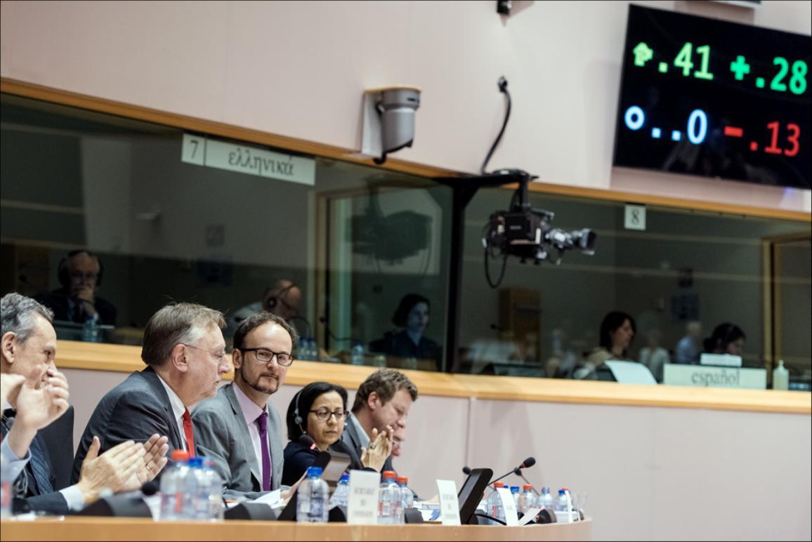 Les députés de la commission du commerce international appellent à plus d'ouverture du marché américain, une reforme de la protection de l'investissement et le maintien des normes de l'UE dans les négociations en cours sur le TTIP