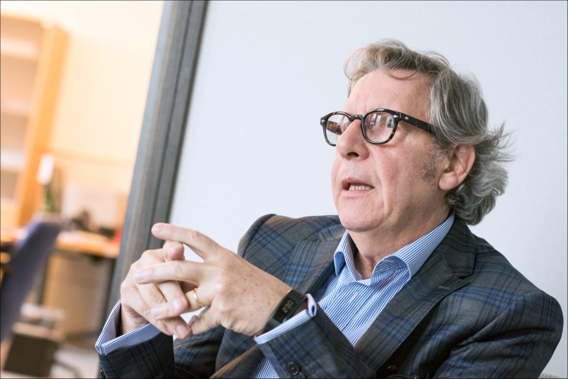 EP deputāts Žils Parņo intervijas laikā