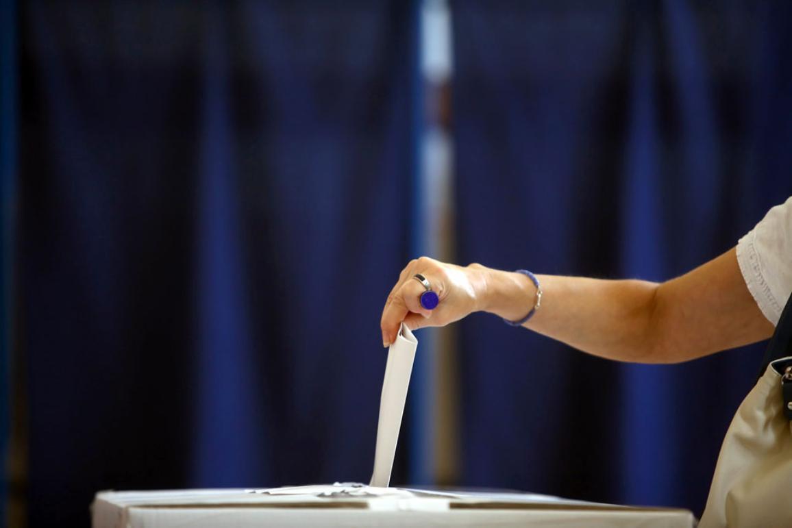 Voting hand