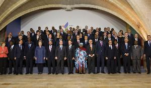 Family photo of the 2015 Valletta Summit on migration