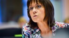 Parlamentui ir Komisijai derantis dėl saugių kilmės šalių sąrašo, klausiame EP narės Sylvie Guillaume, ką tai reiškia pabėgėliams ir ES valstybėms.