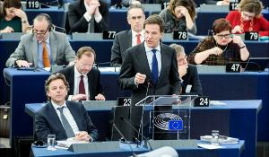 Mark Rutte debating the priorities of the Dutch Council Presidency with MEPs
