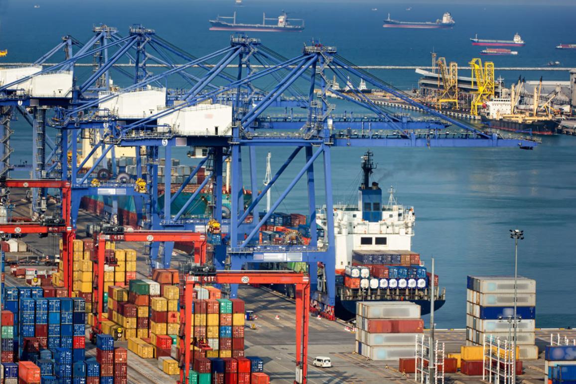 A cargo harbour ©AP Images/ European Union-EP