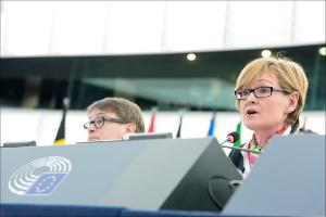 EP Vice-President Mairead McGuinness chairs the opening of March plenary session