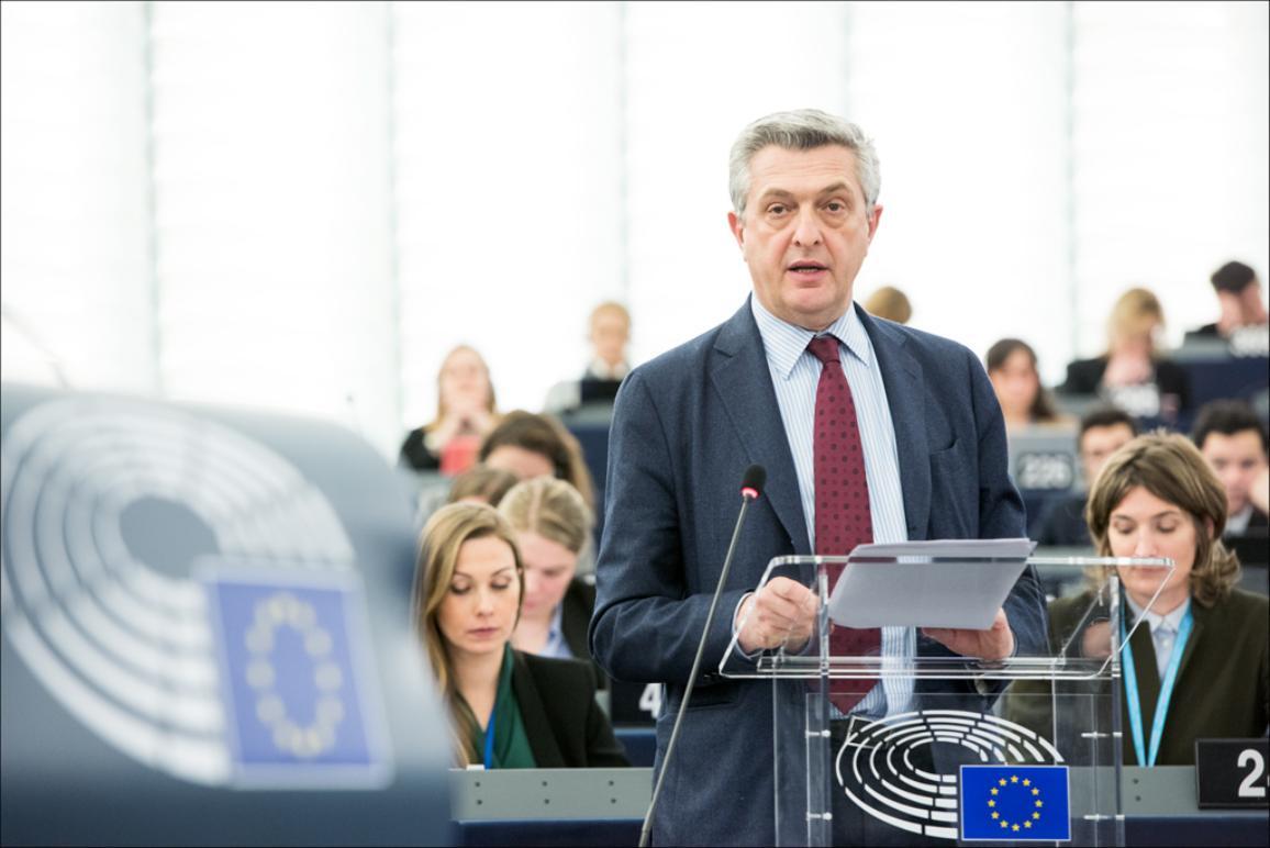 Filippo Grandi, UN High Commissioner for refugees addresses the plenary