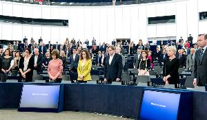 European Parliament plenary pays tribute to victims of the Brussels attacks that killed 32 people and left many injured, with moment of silence