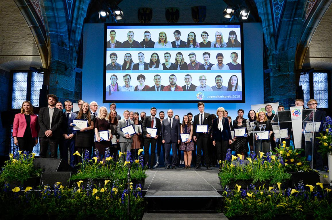 Group photo of the 2016 Youth Charlemagne Prize Ceremony in Achen