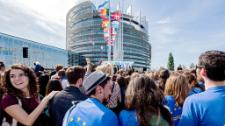 Die Europese Jeug Event 2016 sien Parlement in Straatsburg voordoen as 7,500 jongmense gedebatteer, gedeel sienings en gevra indringende vrae van lede.