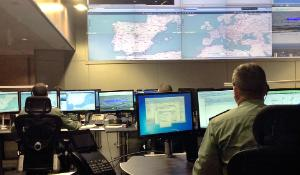 Sea border radar control ©European Union 2014-Frontex