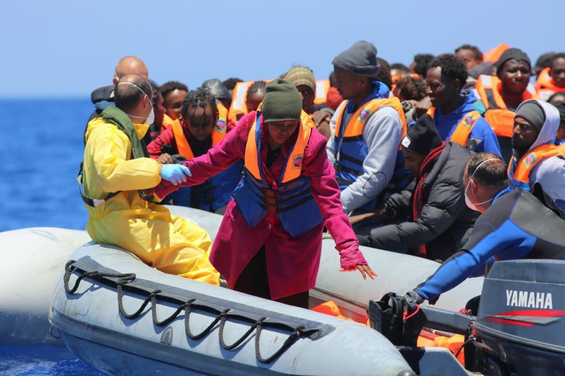 Põgenike päästmine merel ©European Union - Frontex