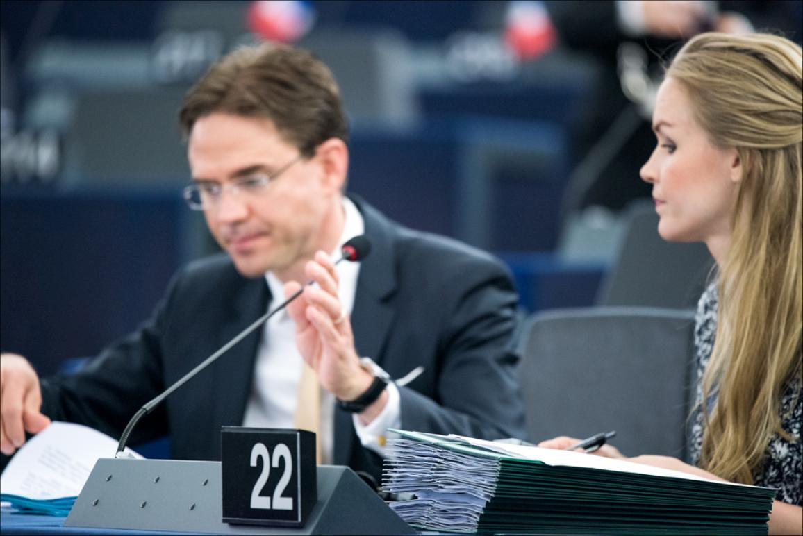 """MEPs debate  with Commissioner Jyrki Katainen the so called """"Juncker investment plan"""" to fuel Europe's economic recovery by mobilising public and private investment"""