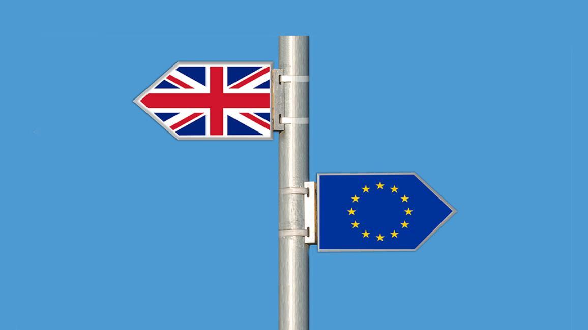 """Unione europea e Regno Unito hanno a disposizione due anni di tempo per arrivare a stilare un accordo sulle modalità con le quali Londra uscirà dall'Unione """"tenendo in adeguata considerazione la struttura delle relazioni future con il resto dell'UE""""."""