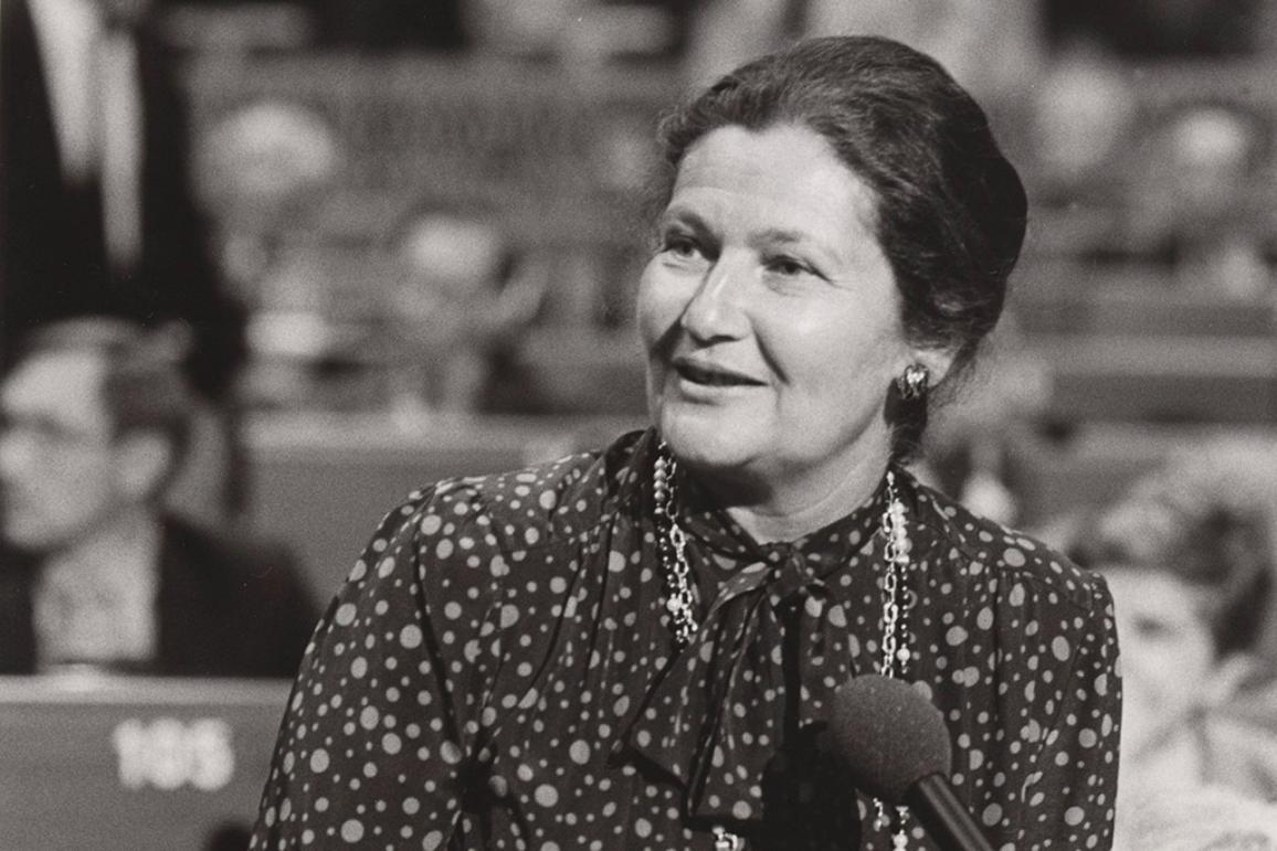 Simone Veil parla al Parlamento europeo nel 1984