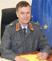 SEDE: portrait of Lieutenant General Esa Pulkkinen, Director General of the EU Military Staff, in front of EU flag