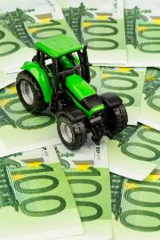 Tractor on banknotes