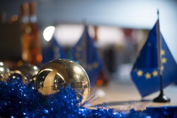 Parlamentul European vă urează un Crăciun fericit