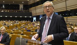Juncker apresenta os cinco cenários no hemiciclo