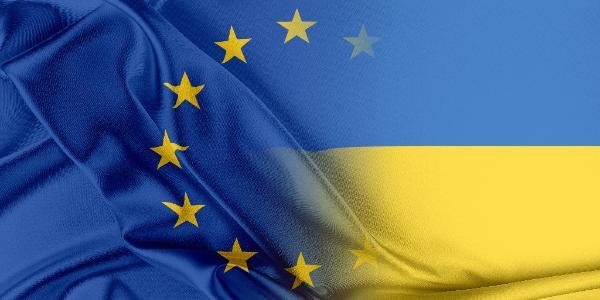 Vlag van de EU en Oekraine ©AP Images/European Union-EP
