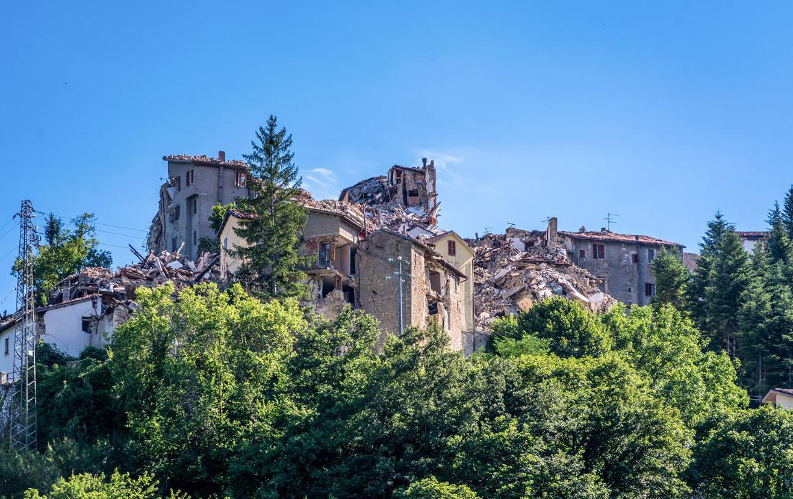 Photographie de bâtiments et maisons du village