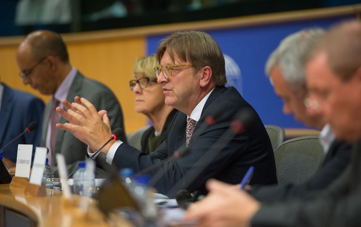 Guy Verhofstadt a débattu avec les députés de l'état d'avancement des négociations sur le Brexit.