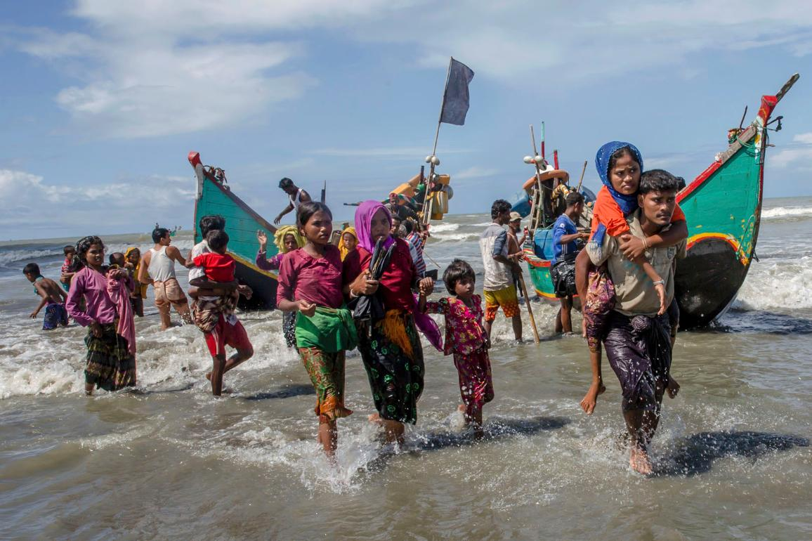 Nearly three weeks into a mass exodus of Rohingya fleeing violence in Myanmar, thousands were still flooding across the border Thursday in search of help and safety in teeming refugee settlements in Bangladesh. ©Dar Yasin/AP Photos/European Union-EP