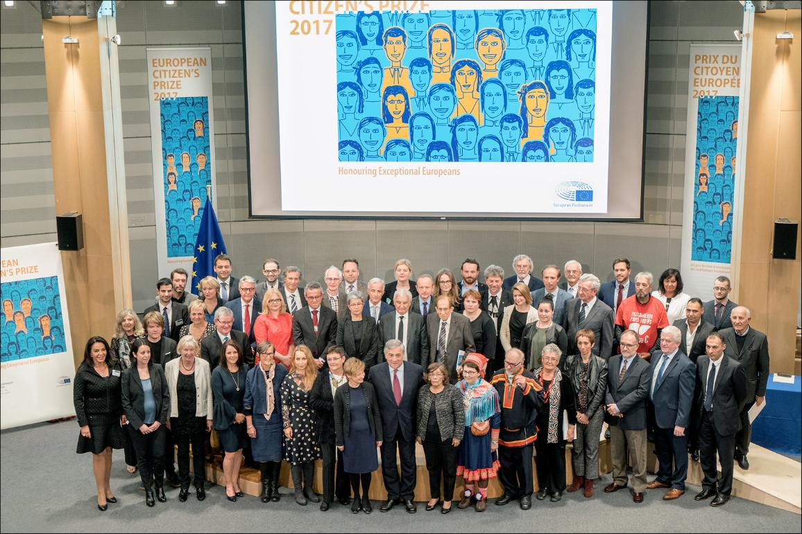 Family photo of Citizen's Prize with EP President Antonio Tajani