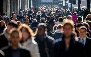 crowd of people walking on city ©AP Images/European Union-EP