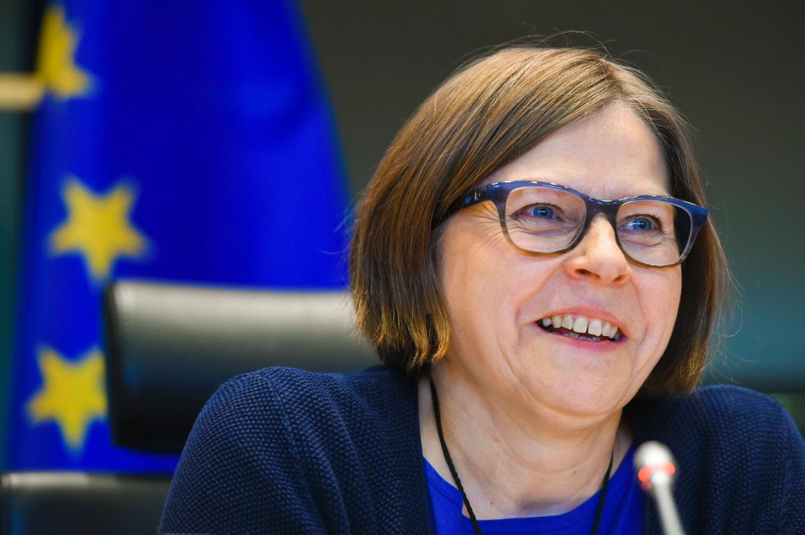 A smiling portrait of Heidi Hautala (Greens/EFA, FI)