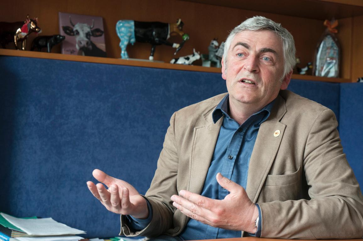 Martin Haeusling   è un deputato tedesco del gruppo dei Verdi. È il relatore della proposta sull'agricoltura biologica al Parlamento europeo.